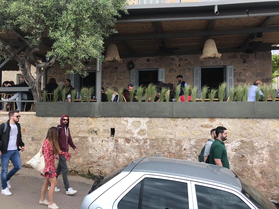 Πρωτομαγιά στην Καρδαμύλη: Κοσμοσυρροή και…μποτιλιάρισμα!