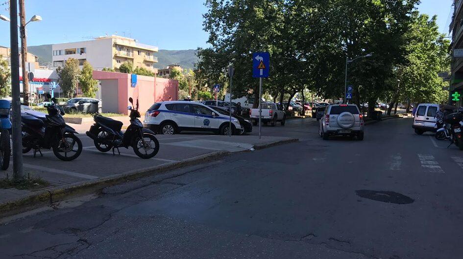 Tροχαίο στην Καλαμάτα: Αυτοκίνητο παρέσυρε πεζό στη Νέδοντος