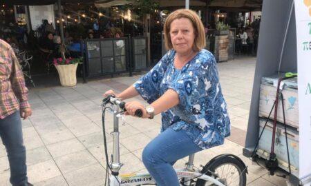 """""""Πράσινη, οικολογική"""" και πάνω σε ποδήλατο η καμπάνια της Λυμπεροπούλου!"""