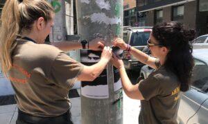 Ξεκίνησε ο καθαρισμός στην Καλαμάτα από το εκλογικό υλικό – Πρόστιμα έως 500 ευρώ