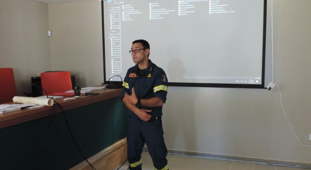 40 υπάλληλοι του Δήμου Καλαμάτας εκπαιδεύτηκαν στην αντιμετώπιση πυρκαγιών