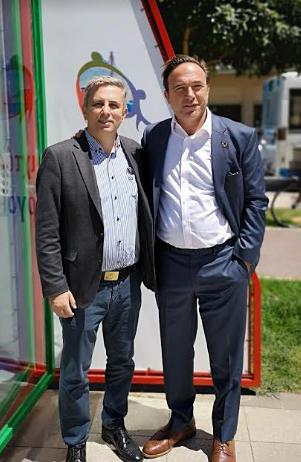 Στο εκλογικό περίπτερο του Μάκαρη ο Πέτρος Κόκκαλης
