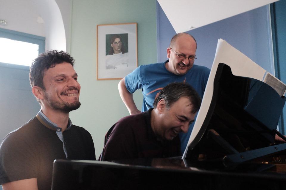 Άνοιξη των πλήκτρων: Έργα για δύο, τέσσερα αλλά και έξι χέρια σε ένα πιάνο