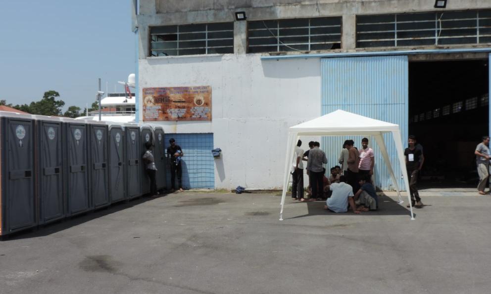 77 παράτυποι μετανάστες στο Λιμάνι της Καλαμάτας-2 συλλήψεις