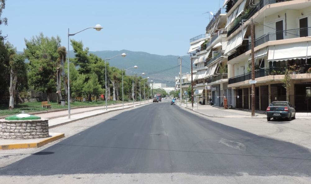 Συνεχίζονται οι ασφαλτοστρώσεις σε δρόμους της Καλαμάτας