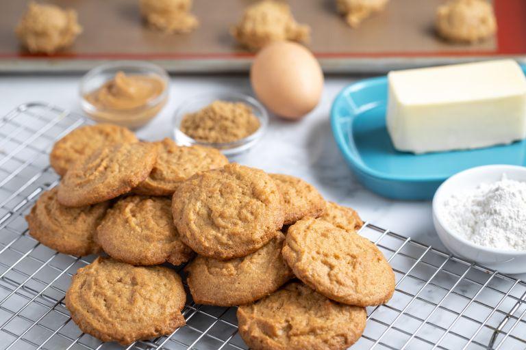 Μπισκότα βουτύρου με τρία υλικά!