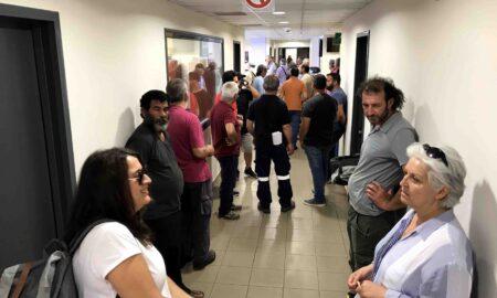 Οι απολυμένοι της ΔΕΥΑΚ ματαίωσαν για δεύτερη φορά το Δημοτικό Συμβούλιο