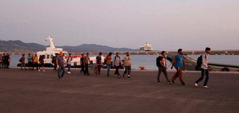 Στις αποθήκες στο Λιμάνι οι 109 αλλοδαποί – Συνελήφθησαν 2 Αζέροι για την διακίνησή τους