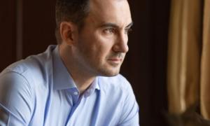 """Χαρίτσης: """"Αλίμονο αν ο πήχης για την ελληνική διπλωματία είναι τόσο χαμηλά"""""""