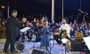 Δημοτική Φιλαρμονική: Εξαιρετική συναυλία κάτω από το φεγγάρι και τα αστέρια!