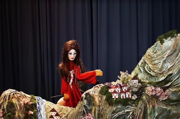 """Πειραματική Σκηνή Καλαμάτας: """"Τρωάδες"""" και """"Το νησί των συναισθημάτων"""" στο Διαβολίτσι"""