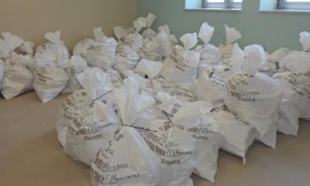 Έφτασαν οι εκλογικοί σάκοι στο Δημαρχείο Καλαμάτας
