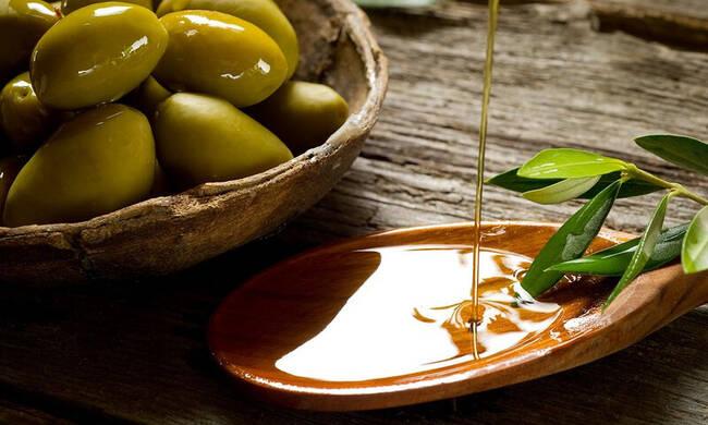Ελαιόλαδο: Γιατί είναι η καλύτερη επιλογή για μαγείρεμα