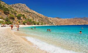 Πιστοί στα ταξίδια εσωτερικού παραμένουν οι Έλληνες