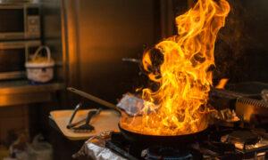Καλαμάτα: Ηλικιωμένη κινδύνεψε όταν πήρε φωτιά το τηγάνι της