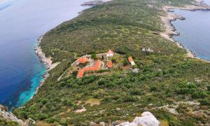 Νήσος Πρώτη: Ο πανέμορφος… κροκόδειλος της Μεσσηνίας