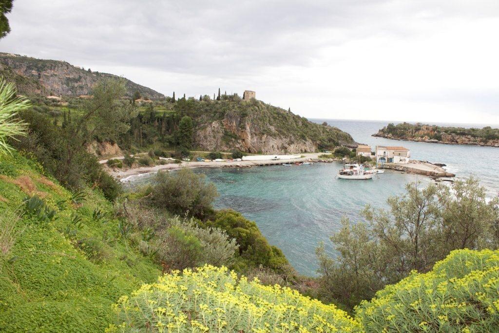 Καρδαμύλη: Το παλιό Τελωνείο και το νησάκι Μερόπη