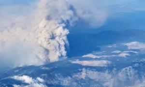 Η φωτιά στην Εύβοια από τα 18.000 πόδια