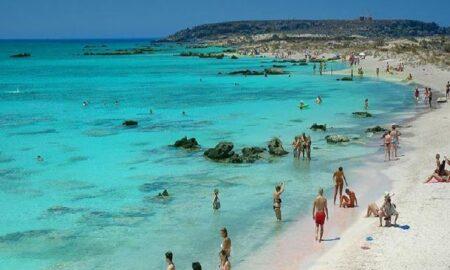 Ποια ελληνική παραλία είναι ανάμεσα στις 50 καλύτερες όλου του κόσμου