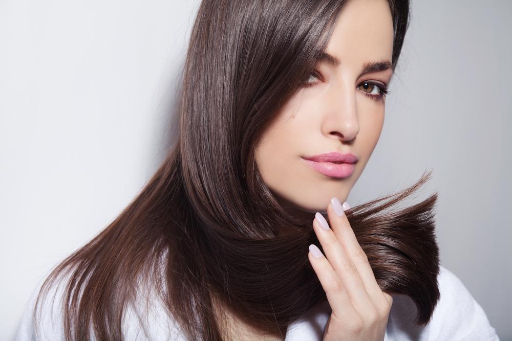 Το τρικ που θα σώσει τα ξηρά σας μαλλιά