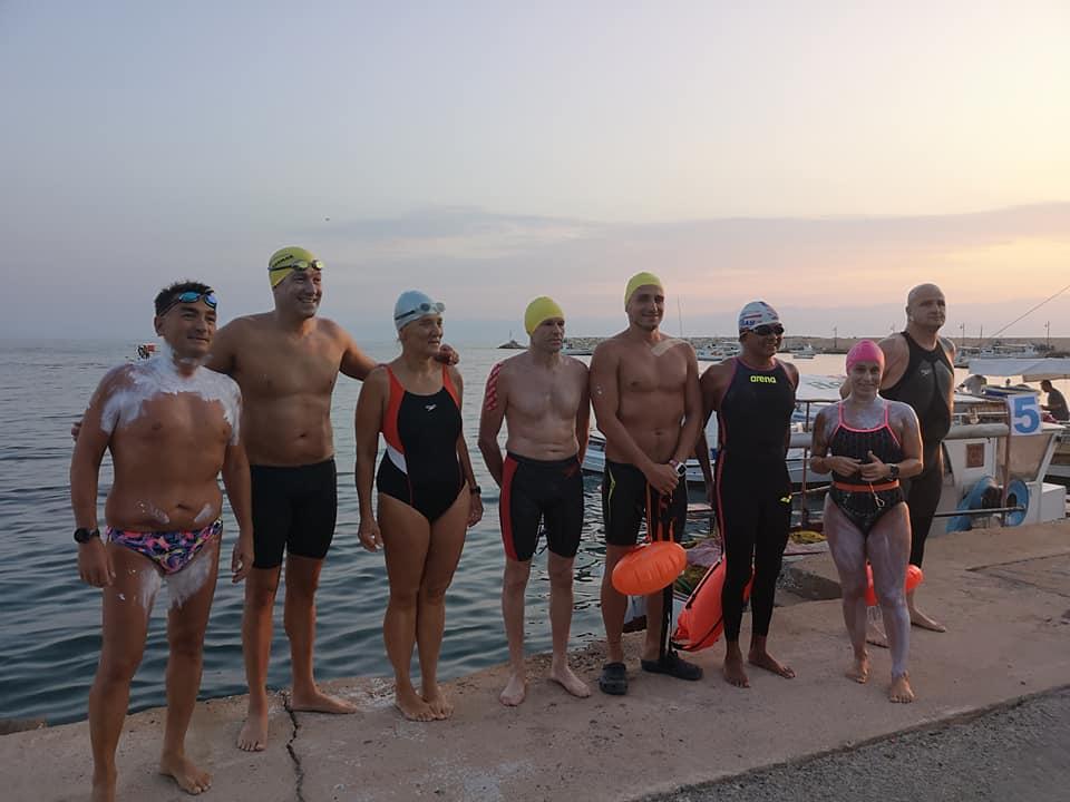 Κορώνη-Καλαμάτα: Σε εξέλιξη η υπερπροσπάθεια των κολυμβητών στον 31ο διάπλου του Μεσσηνιακού κόλπου!