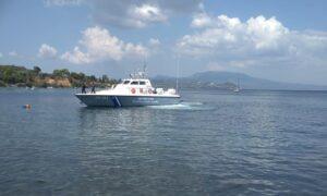 Κορώνη: Με ασφάλεια απομακρύνθηκε η οβίδα από το λιμάνι