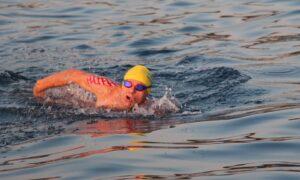 Ρώσος κολυμβητής νεκρός στη Μικρή Μαντίνεια-Συμμετείχε το Σάββατο στον διάπλου των 30χλμ.