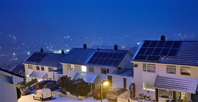 Πρωτοποριακή συσκευή παράγει ηλεκτρικό ρεύμα από τον κρύο νυχτερινό ουρανό