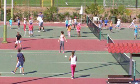 Γέμισαν μαθητές τα γήπεδα τένις του Ομίλου Αντισφαίρισης Καλαμάτας