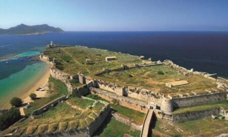 """""""Πάμε βόλτα"""": Επίσκεψη στα παράκτια κάστρα της Μεσσηνίας"""