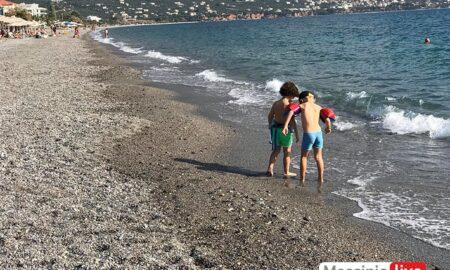 ΔΕΥΑΚ: Eξαιρετικής ποιότητας και τον Οκτώβριο τα νερά κολύμβησης στις παραλίες Καλαμάτας
