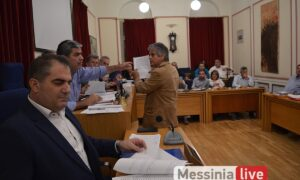 """Άγριος καυγάς Βασιλόπουλου-Μπεχράκη για το ψήφισμα κατά Κουκούτση – """"Είσαι ψεύτης""""…"""