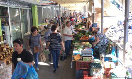 Κεντρική Αγορά Καλαμάτας: Κοσμοσυρροή λόγω τριημέρου