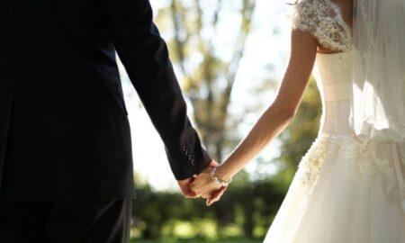 """Καλεσμένη σε γάμο """"ξάφρισε"""" τα """"φακελάκια"""""""