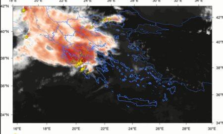 ΑΚΡΑΙΑ ΦΑΙΝΟΜΕΝΑ: 27.000 κεραυνοί, μεγάλα ύψη βροχής και 38 βαθμοί στην Κρήτη!