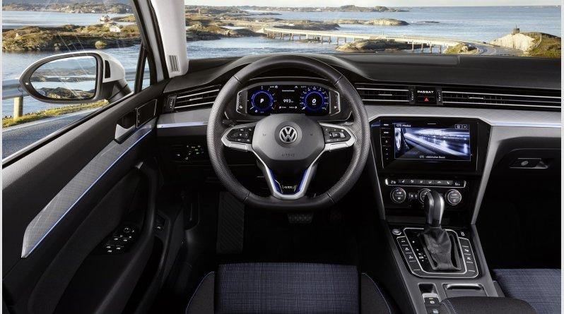 Από 27.300€ το ανανεωμένο VW Passat στην Ελλάδα