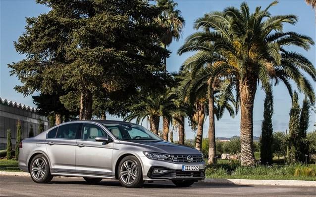 Volkswagen Passat: Ανανεωμένο εγγυάται hi-tech οδηγική ευχαρίστηση!