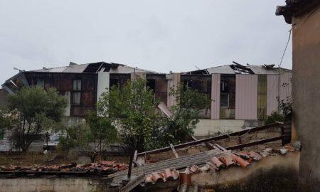Θουρία: Ζημιές από τον ανεμοστρόβιλο σε εργοστάσιο και σε σπίτια