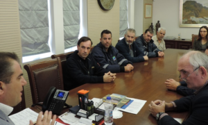 Με τους 16 επαναπροσληφθέντες της ΔΕΥΑΚ συναντήθηκε ο Δήμαρχος Καλαμάτας