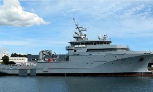 Σκάφος του Πολεμικού Ναυτικού της Γαλλίας κατέπλευσε στο Λιμάνι Καλαμάτας