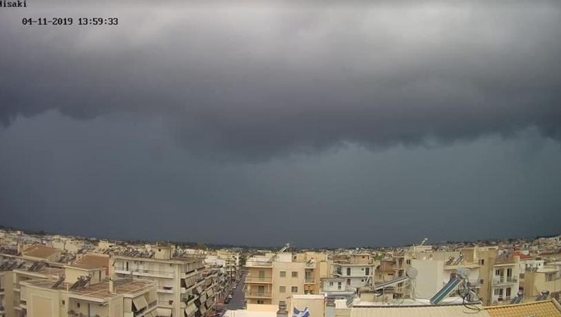 """Σφοδρή καταιγίδα """"σάρωσε"""" την Καλαμάτα"""