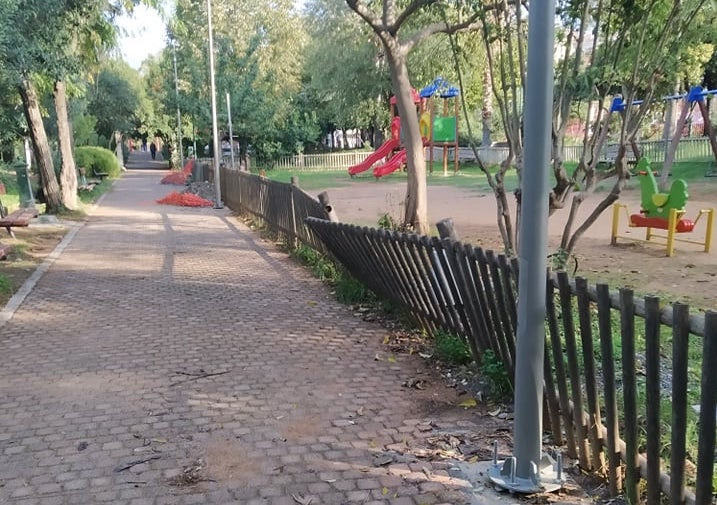 """""""Ξηλώθηκε"""" η βόρεια παιδική χαρά στο Πάρκο Καλαμάτας- Νέα αναβαθμισμένη θα μπει στο σημείο"""