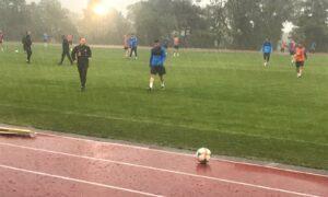 Eθνική ομάδα: Προπόνηση στη Βουλιαγμένη με καταιγίδα (φωτο)