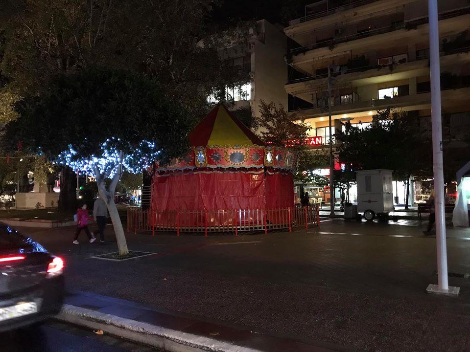 Συνεχίζονται οι Χριστουγεννιάτικες προετοιμασίες στην Καλαμάτα