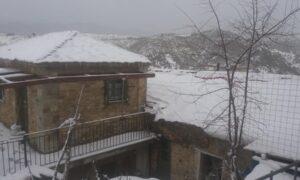 Έπεσε το πρώτο χιόνι στη Νέδουσα