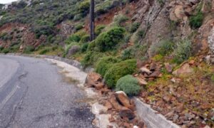 Καθαρίστηκε από τις πέτρες ο δρόμος προς τον Ταΰγετο-Με προσοχή και δική τους ευθύνη περνούν οι οδηγοί