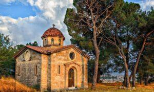 Εσπερινός στο εκκλησάκι του Κάστρου Καλαμάτας παραμονή των Τριών Ιεραρχών