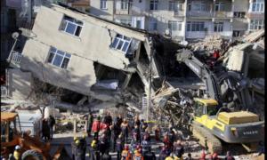 Σεισμός Τουρκία: Συγκλονιστικό βίντεο από τη διάσωση μητέρας με το δίχρονο παιδί της