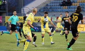 Κύπελλο Ελλάδας: Η ΑΕΚ το πάνω χέρι, 1-1 στην Τρίπολη (βίντεο)