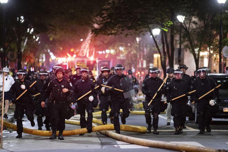 , Δολοφονία Φλόιντ: Νέος κύκλος βίαιων επεισοδίων -Απαγόρευση κυκλοφορίας σε Λος Αντζελες, Φιλαδέλφεια, Ατλάντα